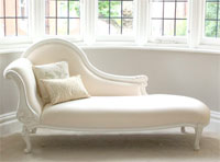 the chaise that brought Tia and Vachel together again